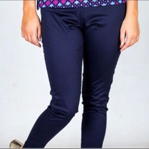Frida ankle length pants in Navy